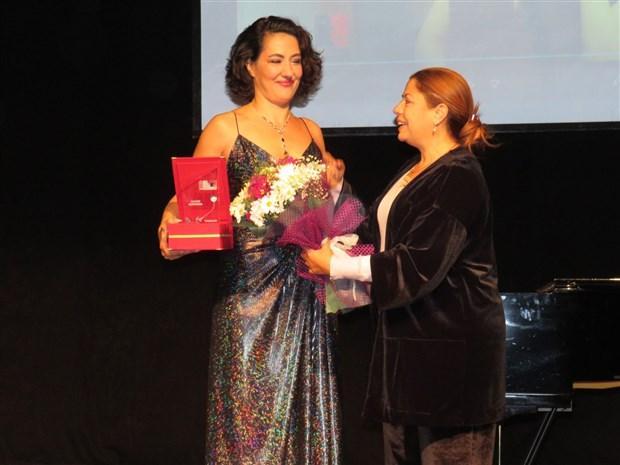 taksav-8-uluslararasi-izmir-tiyatro-festivali-basladi-658445-1.