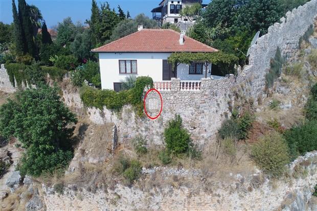 alanya-kalesi-sularina-pencere-acan-godina-nin-evi-kamulastirilacak-727-bin-tl-bedel-bicildi-662764-1.