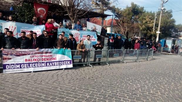 didim-akkoy-de-ced-toplantisina-buyuk-protesto-675945-1.