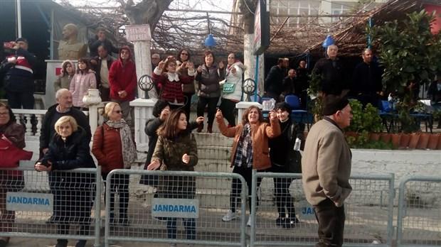 didim-akkoy-de-ced-toplantisina-buyuk-protesto-676008-1.