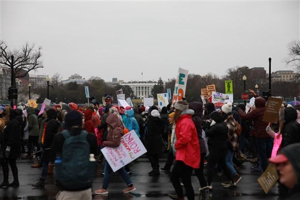 abd-de-4-kadin-yuruyusu-trump-in-politikalari-protesto-edildi-677128-1.