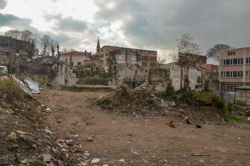 tarihi-evler-yakiliyor-suc-artiyor-yetkililer-sessiz-mega-kentin-kalbi-icler-acisi-halde-676983-1.
