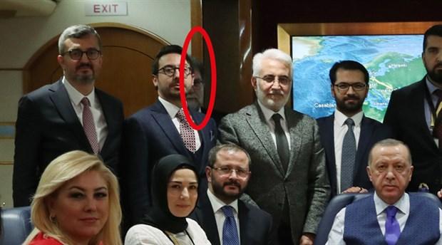 ahmet-hakan-in-erdogan-in-ucagindaki-fotografi-sosyal-medyanin-diline-dustu-677745-1.