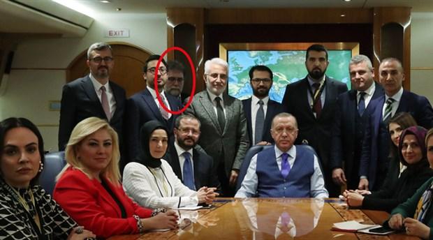 ahmet-hakan-in-erdogan-in-ucagindaki-fotografi-sosyal-medyanin-diline-dustu-677749-1.