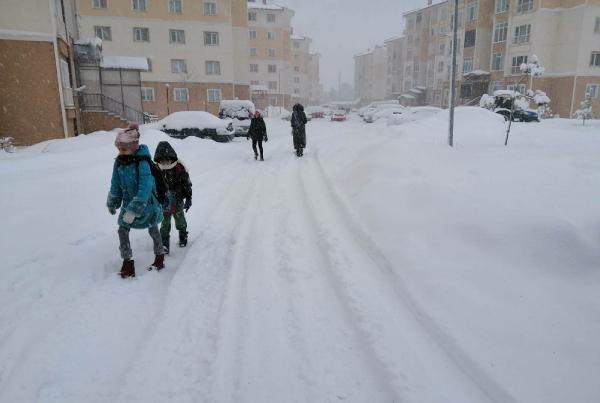 yogun-kar-yagisi-nedeniyle-bazi-il-ve-ilcelerde-okullar-tatil-edildi-683763-1.