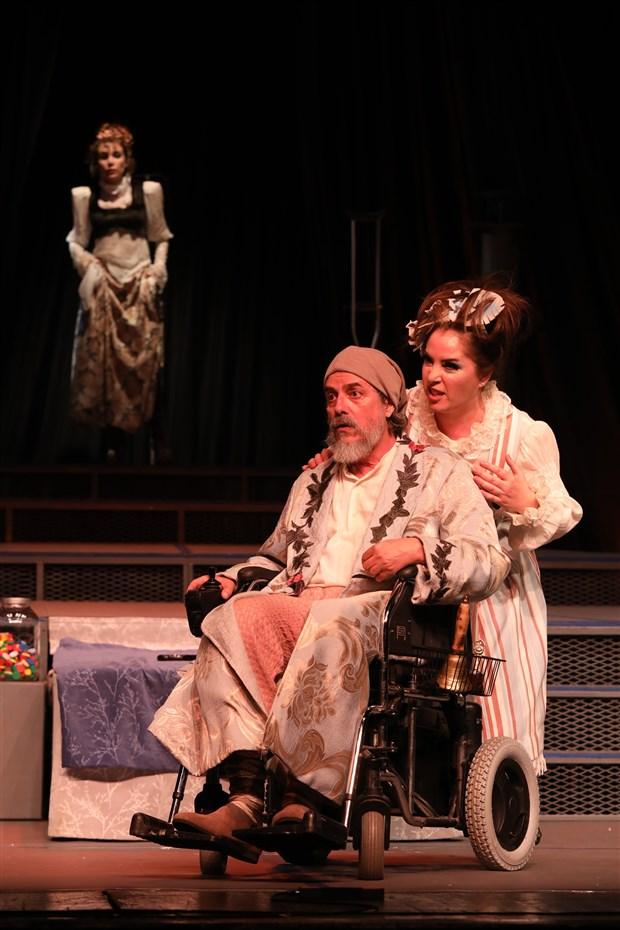 ibb-sehir-tiyatrolari-nda-bu-hafta-20-oyun-seyirci-karsisina-cikacak-689427-1.
