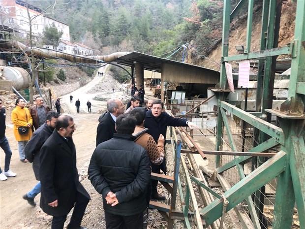 madenciler-yerin-140-metre-altinda-direnise-gecti-sendikali-olarak-calismak-istiyoruz-694193-1.