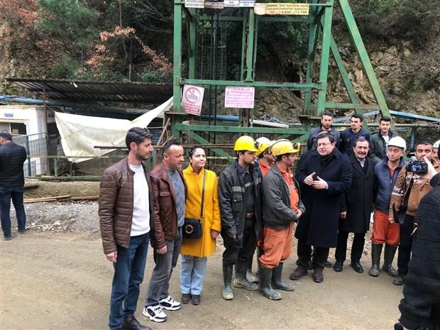 madenciler-yerin-140-metre-altinda-direnise-gecti-sendikali-olarak-calismak-istiyoruz-694198-1.