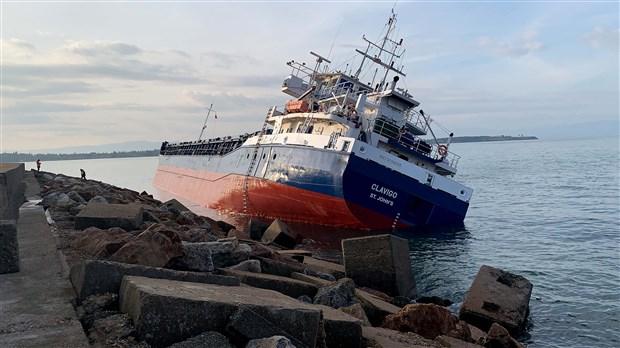 tuzla-da-suruklenen-gemi-baska-bir-gemiye-carpti-694126-1.