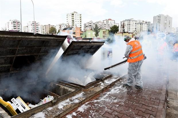 seyhan-da-kamusal-hijyen-seferberligi-kamusal-alanlar-dezenfekte-ediliyor-702127-1.