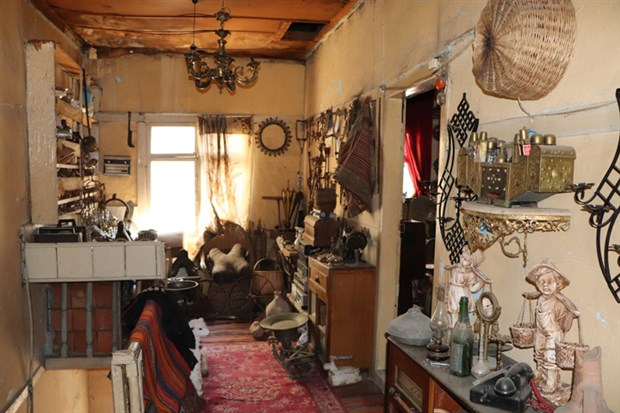disi-gazoz-kapaklariyla-kapli-ici-ise-antika-samsun-daki-asirlik-ev-719583-1.