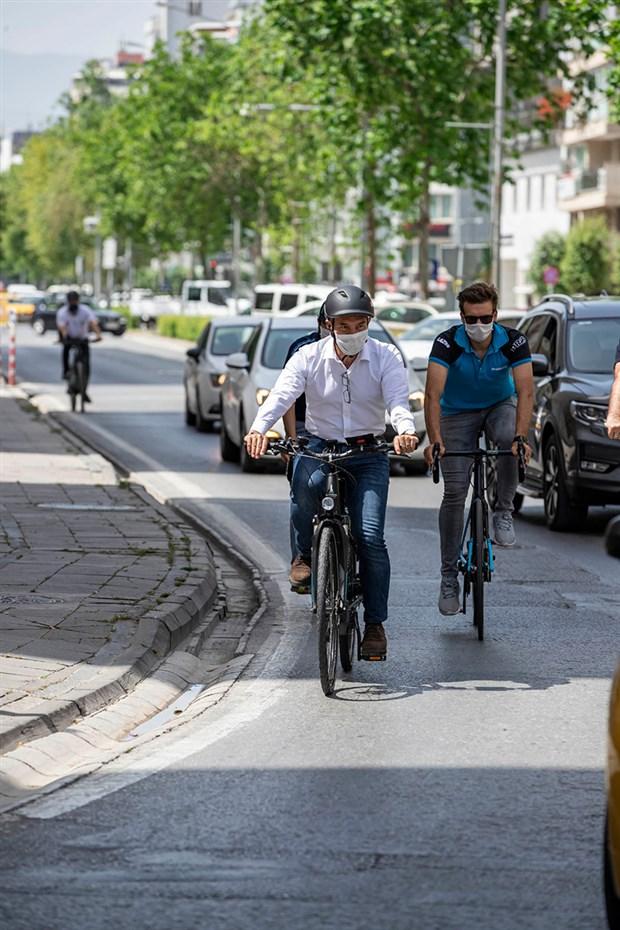 izmir-de-bisikletli-ulasima-yol-aciliyor-732949-1.