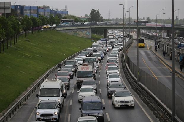 istanbul-da-trafik-yogunlugu-yuzde-60-a-ulasti-734570-1.