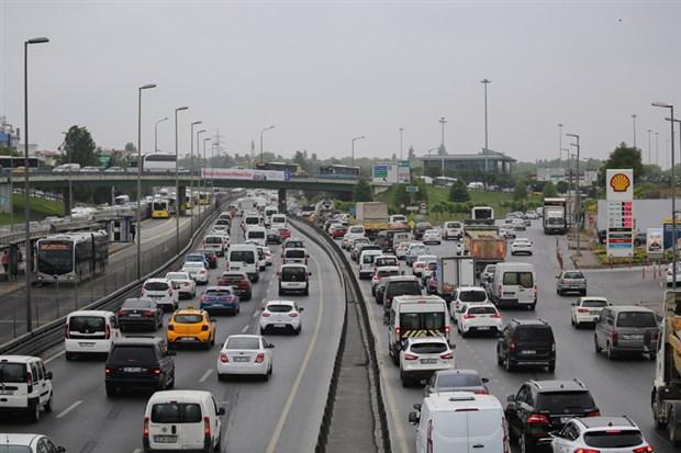 istanbul-da-trafik-yogunlugu-yuzde-60-a-ulasti-734571-1.