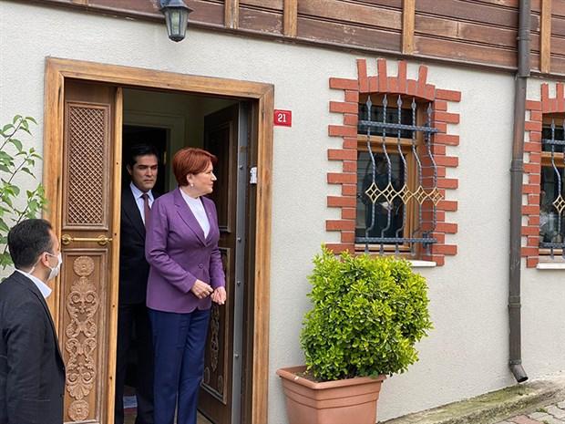 kilicdaroglu-ndan-aksener-in-evine-bayram-ziyareti-735939-1.