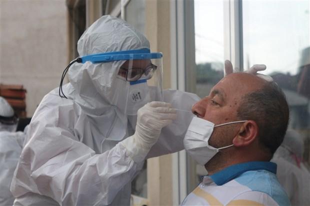 rize-ye-gelen-cay-ureticilerinin-bazilarinda-koronavirus-tespit-edildi-736114-1.