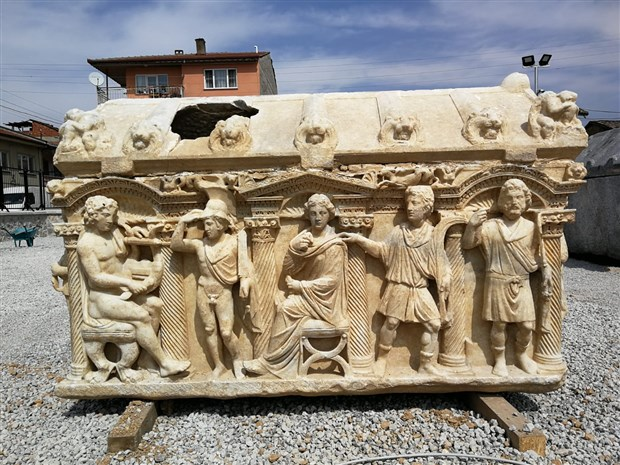 antik-roma-donemine-ait-lahitte-truva-savasi-nin-tasvir-edildigi-belirlendi-736419-1.