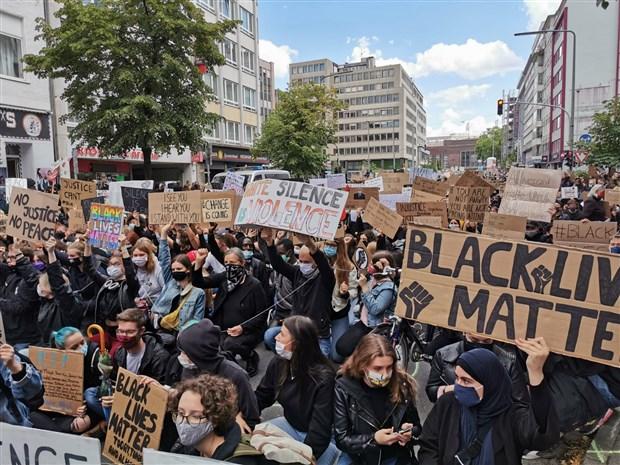 siyah-hayat-onemli-740654-1.