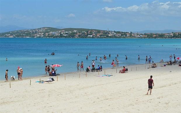 normallesme-sonrasi-ilk-pazar-gununde-sahiller-doldu-740922-1.