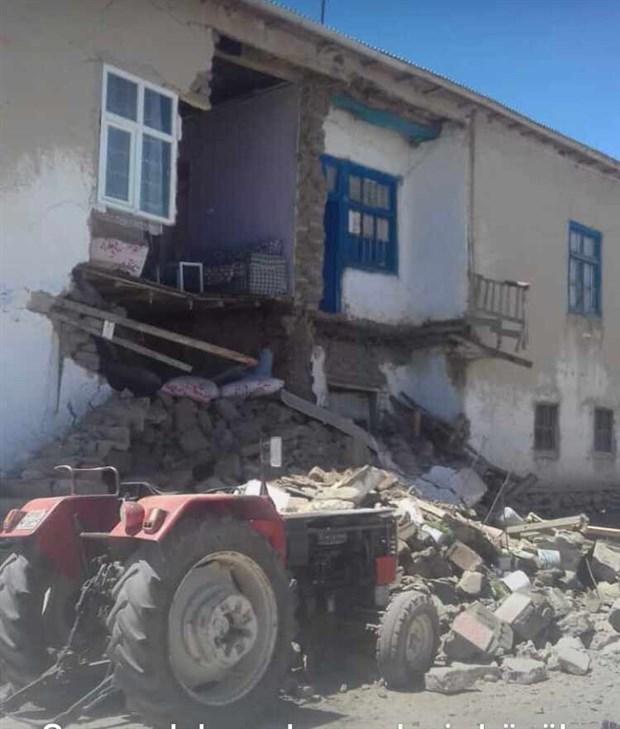 van-da-5-4-buyuklugunde-deprem-748672-1.