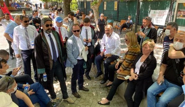 ankara-istanbul-ve-izmir-de-avukatlardan-coklu-baro-protestosu-754702-1.