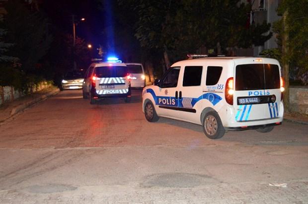sokak-dugunune-uyariya-giden-polislere-saldiri-755938-1.