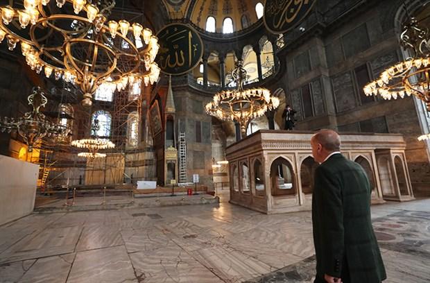 erdogan-ayasofya-yi-gezdi-758550-1.