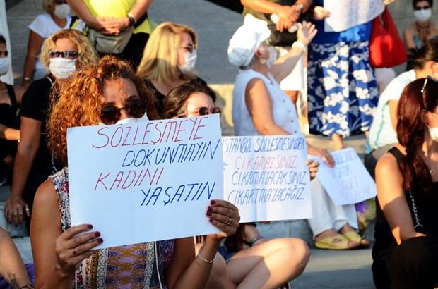 kadinlar-istanbul-sozlesmesi-eylemine-katilmak-isteyen-murat-ovuc-e-izin-vermedi-764254-1.