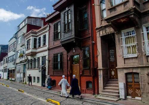 turkiye-nin-iran-inda-bir-gun-dokunulmayan-cemaatten-dokunulan-semte-766365-1.