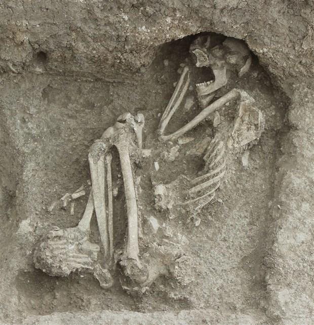bilecik-te-8-bin-500-yillik-insan-iskeleti-bulundu-776083-1.