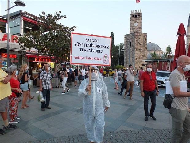 hekimler-attalos-meydaninda-yonetemiyorusunuz-tukeniyoruz-781431-1.