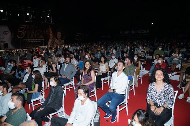 altin-portakal-film-festivali-nde-heyecan-devam-ediyor-790259-1.