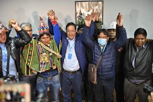 bolivya-da-sosyalistlerin-kazandigi-genel-secimin-resmi-sonuclari-aciklandi-796502-1.