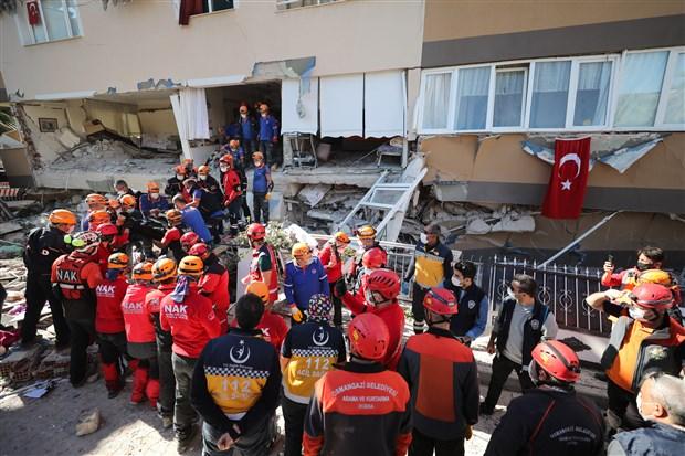 izmir-depreminde-can-kaybi-25-e-yukseldi-799420-1.