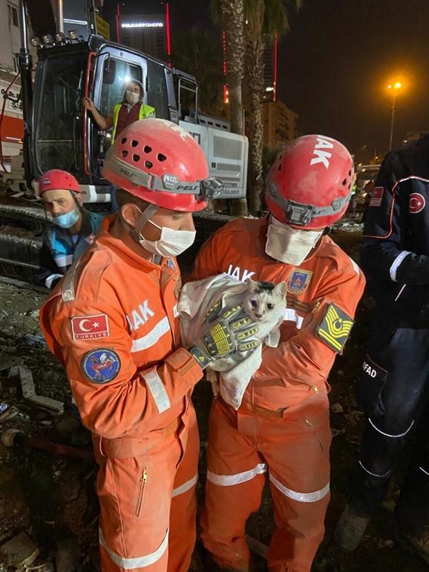 izmir-depreminde-son-durum-91-can-kaybi-994-yarali-800210-1.