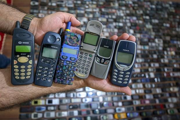 20-yilda-bin-cep-telefonu-biriktirdi-801358-1.