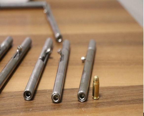 denizli-de-supheli-bir-aractaki-aramada-5-deste-kalem-suikast-silahi-ele-gecirildi-812578-1.