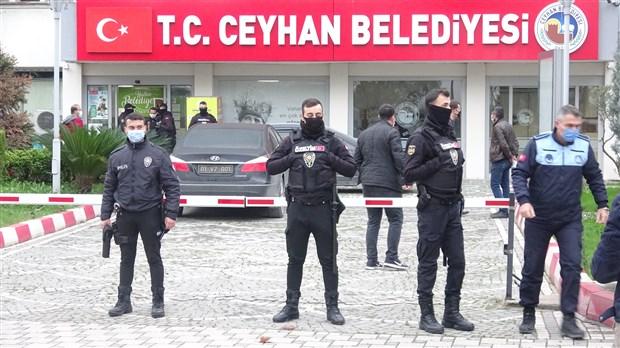 ceyhan-belediyesi-ne-operasyon-23-kisi-hakkinda-gozalti-karari-818719-1.