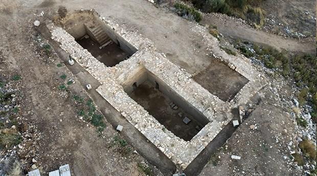 metropolis-antik-kenti-kazilarinda-birbiriyle-baglantili-4-sarnic-bulundu-822064-1.