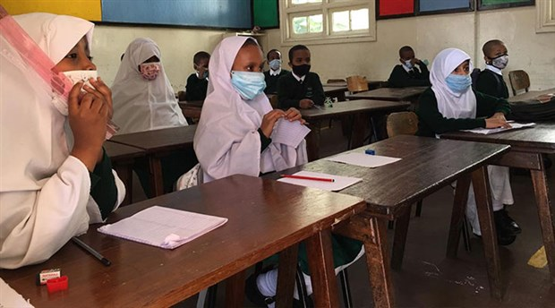 kenya-da-okullar-9-ay-sonra-yeniden-acildi-824809-1.