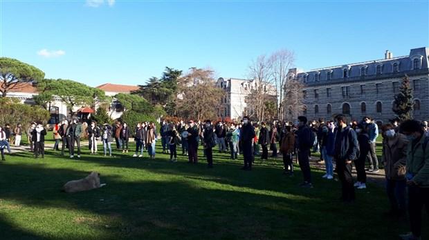 bogazici-universitesi-nde-akademisyenlerden-melih-bulu-protestosu-825179-1.