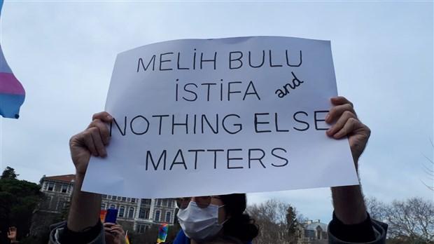 bogazici-direniyor-okulun-disinda-abluka-icinde-protesto-825611-1.