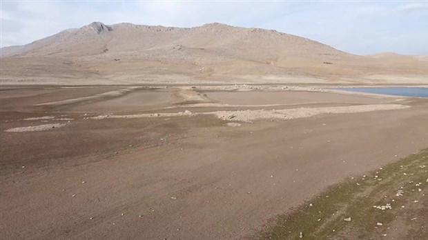 kuraklik-may-baraji-nin-sulari-cekildi-827647-1.