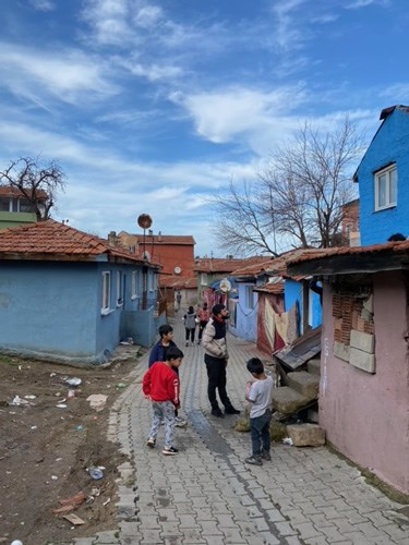 roman-mahallesinde-yoksulluk-dibe-vurdu-827480-1.