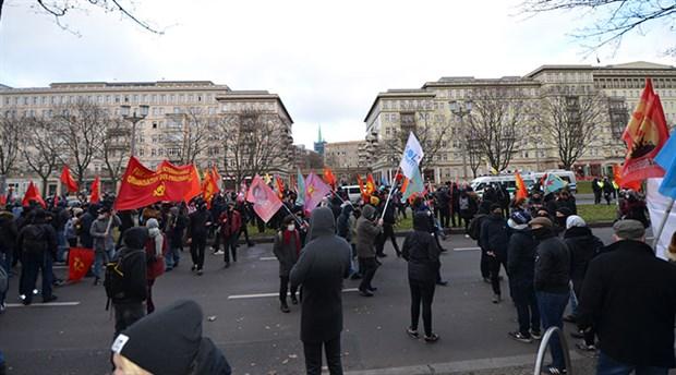 rosa-luxemburg-karl-libknecht-anma-yuruyusunde-polis-siddeti-827882-1.
