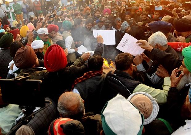 hindistan-da-ciftciler-lohri-festivalini-kutladi-828750-1.