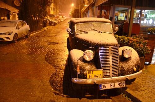 istanbul-un-yuksek-kesimlerinde-kar-yagisi-etkili-oldu-829303-1.