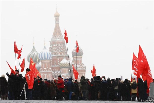 ekim-devrimi-nin-lideri-lenin-olumunun-97-nci-yil-donumunde-anildi-832022-1.