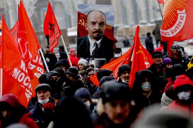 ekim-devrimi-nin-lideri-lenin-olumunun-97-nci-yil-donumunde-anildi-832023-1.