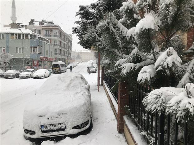turkiye-de-beklenen-kar-yagisi-1987-2002-ve-2004-teki-gibi-olabilir-839975-1.